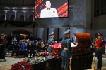 Кобзона похоронили под гимн России и залпы почетного караула